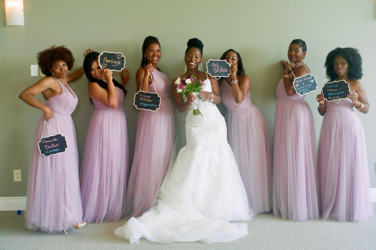kathi robertson wedding le belvedere bridal party with signs