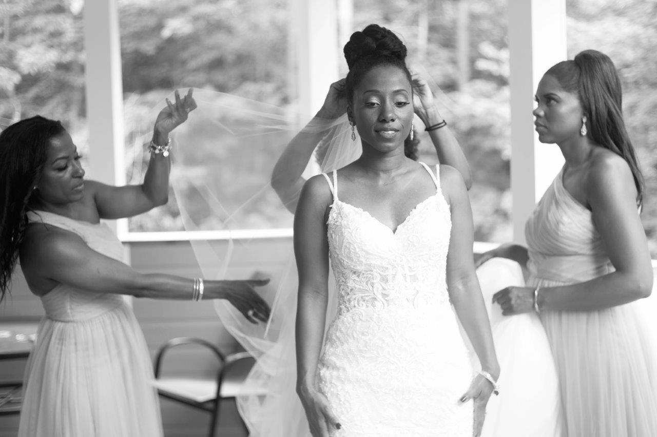 kathi robertson wedding le belvedere bride final touches by bridal party